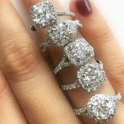 Finding an Engagement Ring: A Few Things to Consider