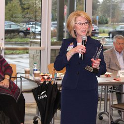 Cumberland Diamond Exchange's Rhonda Jacobson named Smyrna's citizen of the year  (MDJ)